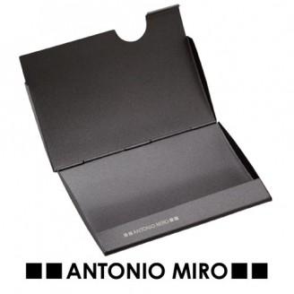 Tarjetero Talpax. Antonio Miro.