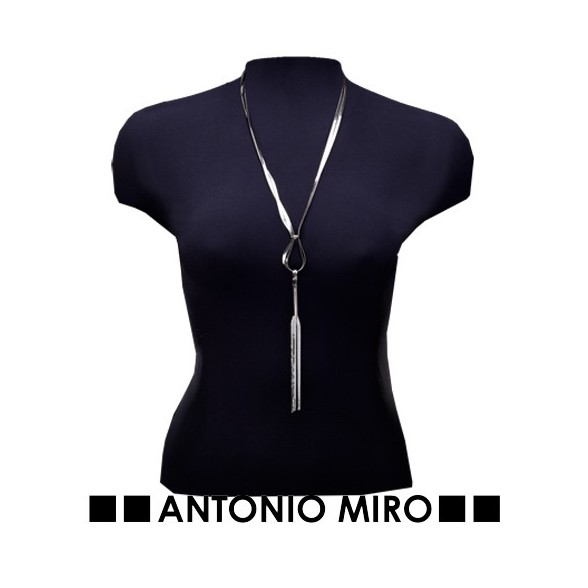 Collar Bawox de Antonio Miro.