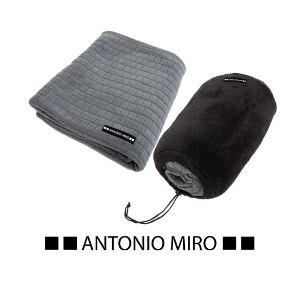 Manta Neptun. Antonio Miro.
