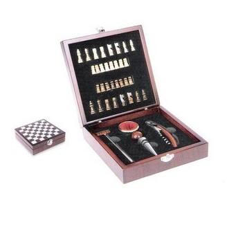 Set de vinos de Madera con 4 Accesorios y juego de Ajedrez
